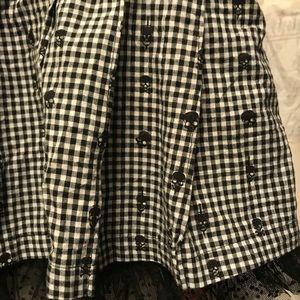 Teenage Runaway Skirts - Hot Topic Black & White Plaid Skater Skirt w skull